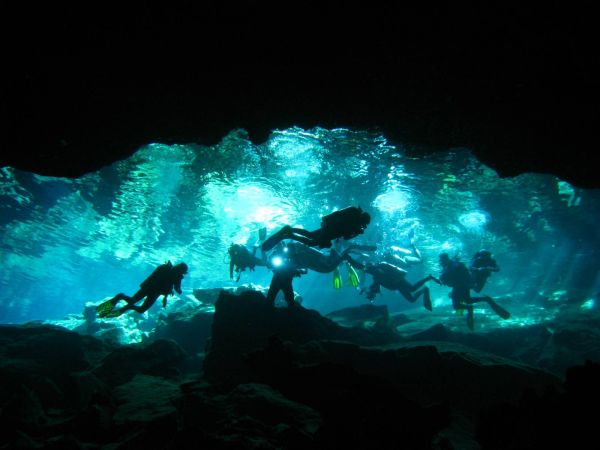 IMG_4948_cenote_chacmool.JPG