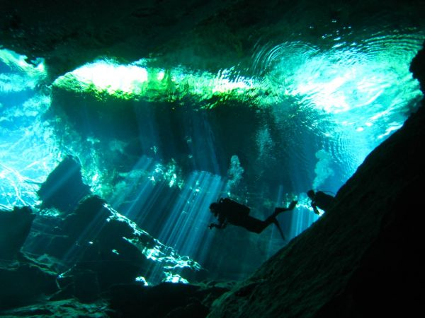 IMG_4963_cenote_chacmool.JPG