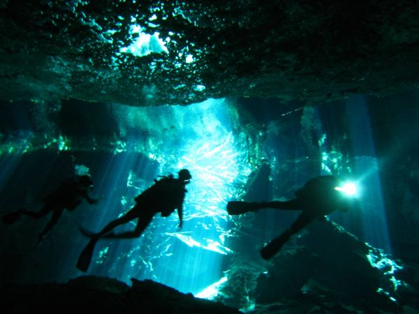 IMG_4972_cenote_chacmool.JPG