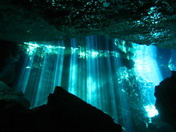 IMG_4975_cenote_chacmool.JPG