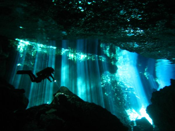 IMG_4976_cenote_chacmool.JPG