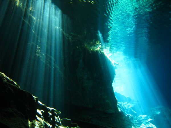 IMG_4995_cenote_chacmool.JPG