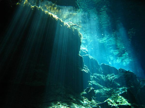 IMG_4997_cenote_chacmool.JPG