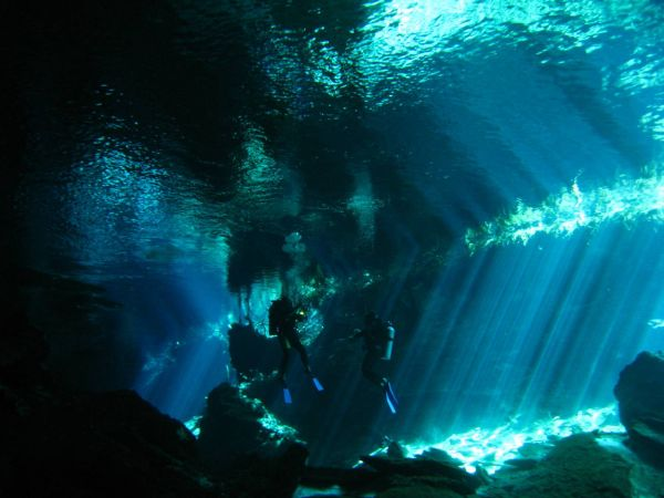 IMG_5005_cenote_chacmool.JPG