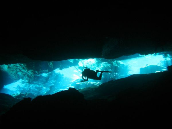 IMG_5050_cenote_chacmool.JPG
